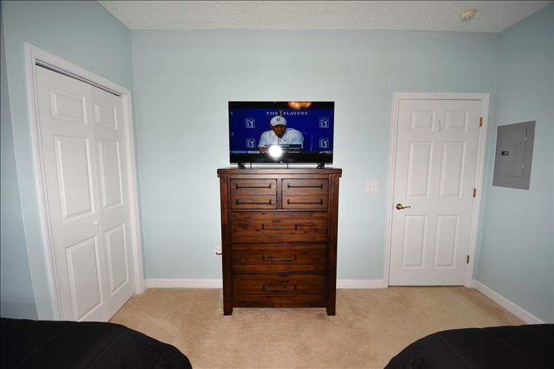 Double Queen TV